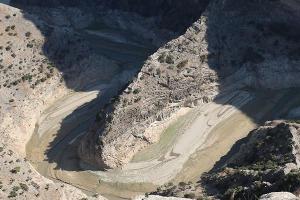 Arapapıştı Kanyonu'nda sular çekildi 1