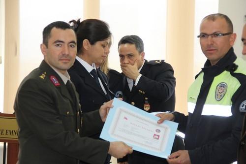 BAŞARILI POLİSLER ÖDÜLLENDİRİLDİ 34