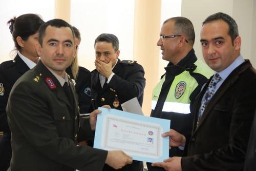BAŞARILI POLİSLER ÖDÜLLENDİRİLDİ 35