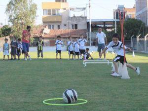 110 GENÇ YETENEK 'FUTBOL' ÖĞRENİYOR