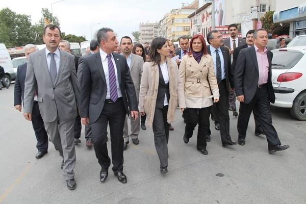 CHP'Lİ ERKUT 'PERŞEMBE PAZARI'NI GEZDİ 1