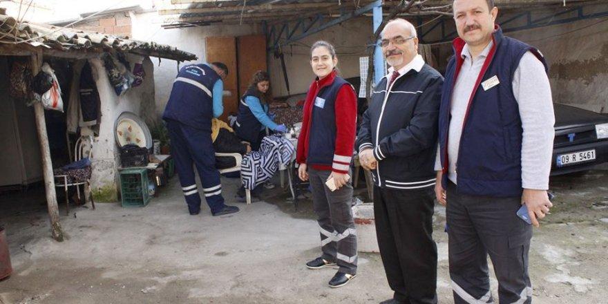 Nazilli'de Evde Bakım Birimi Vatandaşın Yüzünü Gülümsetmeye Devam Ediyor!