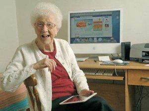 Facebook'un En Yaşlı Kullanıcısı 106 Yaşında