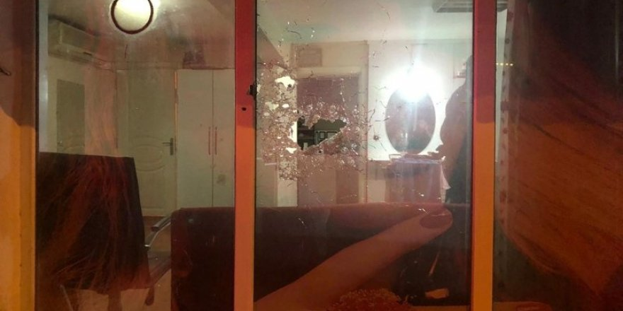 Silahlı saldırı: Kafasına poşet geçirip bayan kuaförünü kurşunladı!