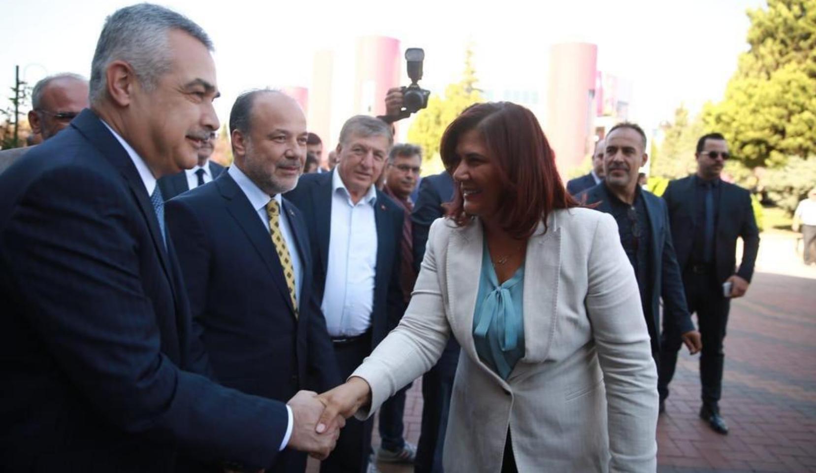 """Mustafa Savaş """"omuz attı"""" iddiasını yalanladı"""