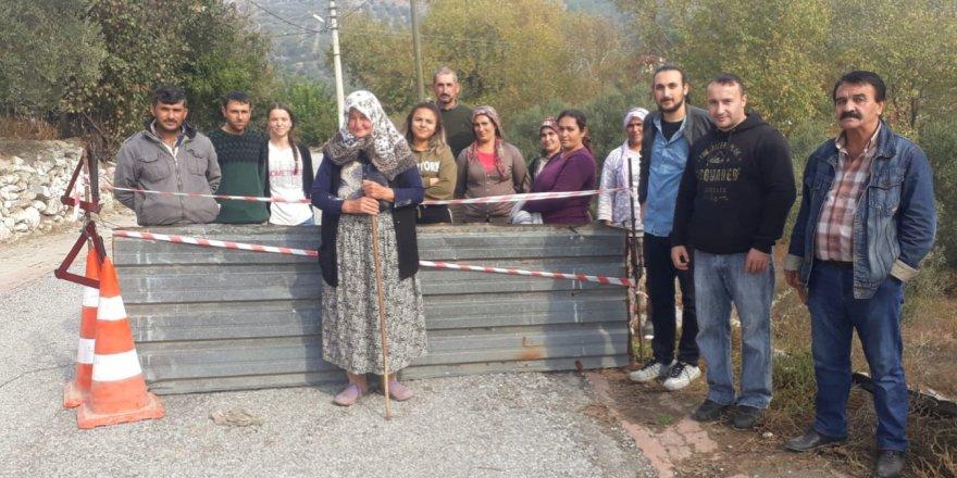 Kuyucak'ta köylüler yol kapattı!