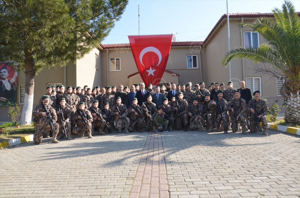 Aydın'da özel harekat polisleri Barış Pınarı Harekatı'na uğurlandı...