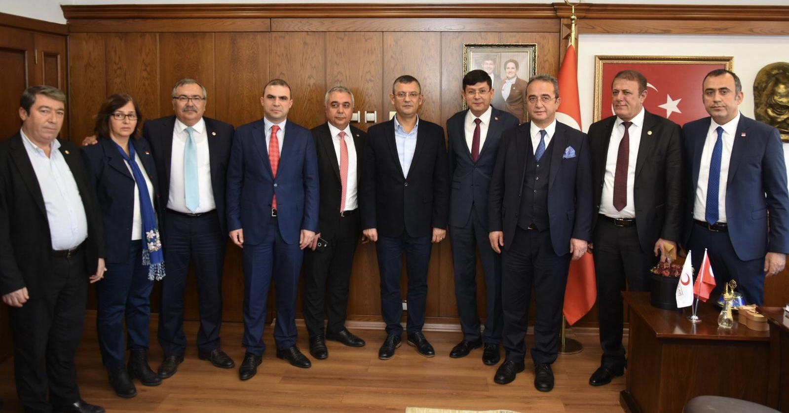 CHP'nin kurmaylarından Başkan Özcan'a ziyaret
