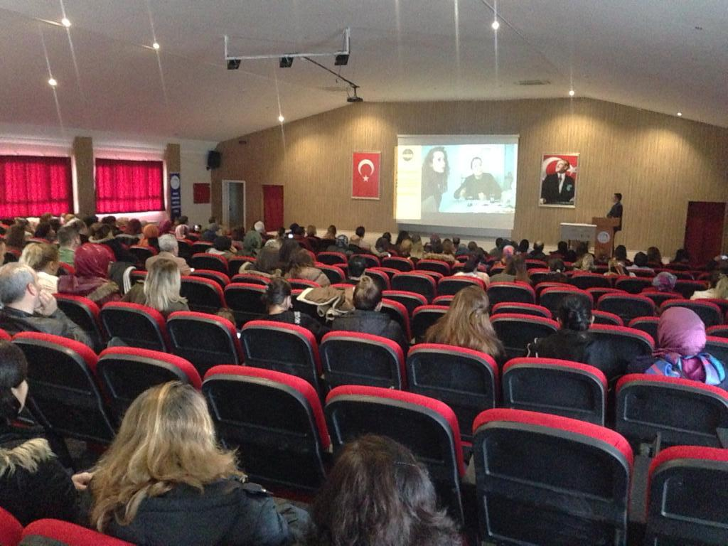 Aydın'da polisten, velilere uyuşturucuyla mücadele semineri