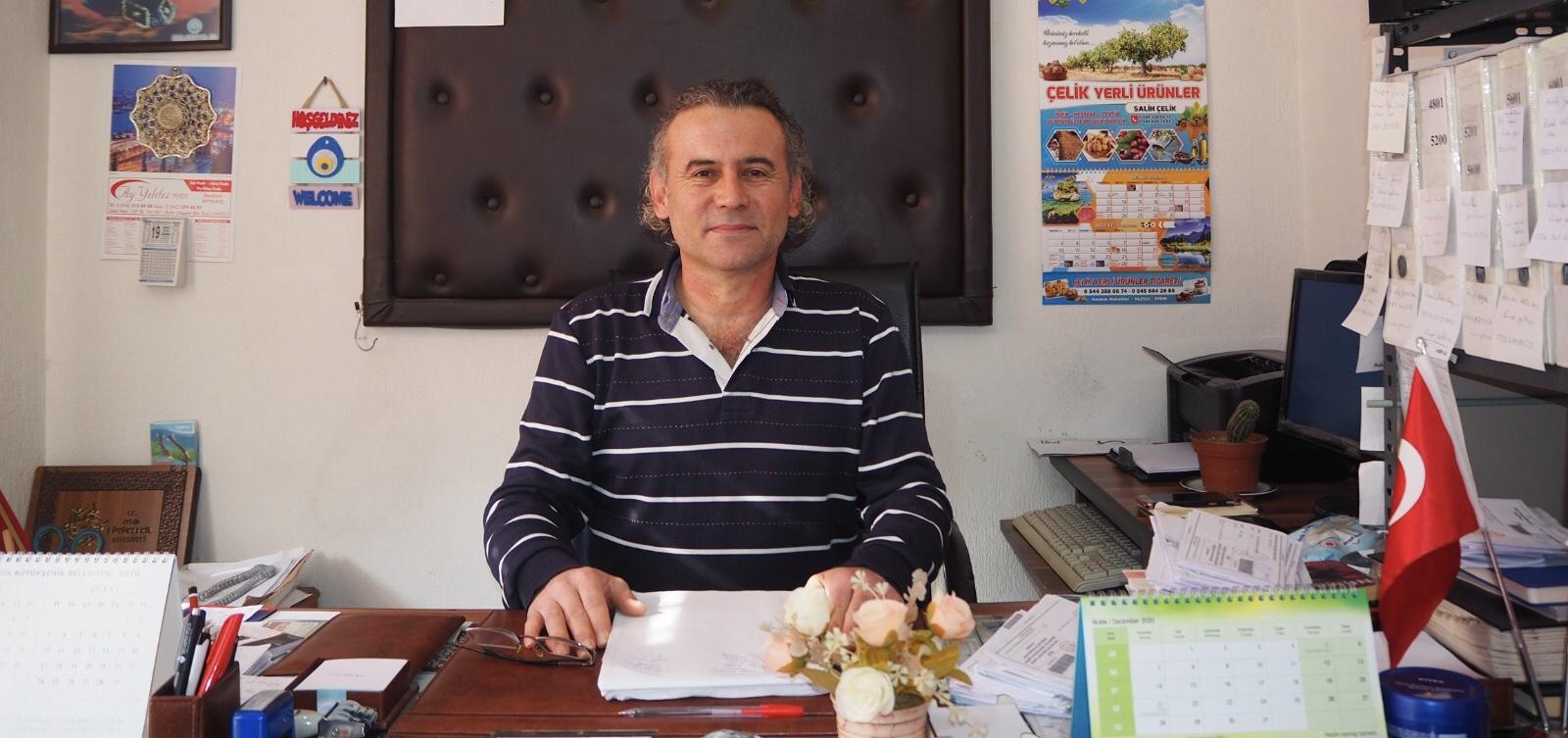 ZAFER MAHALLESİ MUHTARI İHTİYAÇ SAHİPLERİNE DESTEK ÇIKIYOR
