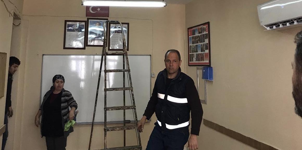 Yangında zarar gören sınıfın tadilatı Nazilli Belediyesi tarafından yapıldı