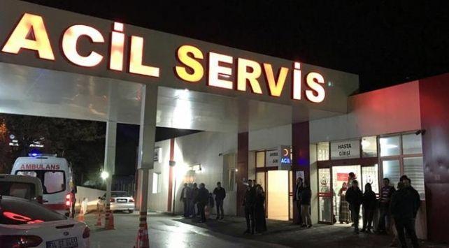 AYDIN'DA FECİ KAZA...REFÜJE ÇARPIP TREN YOLUNA UÇTU ; 1 YARALI