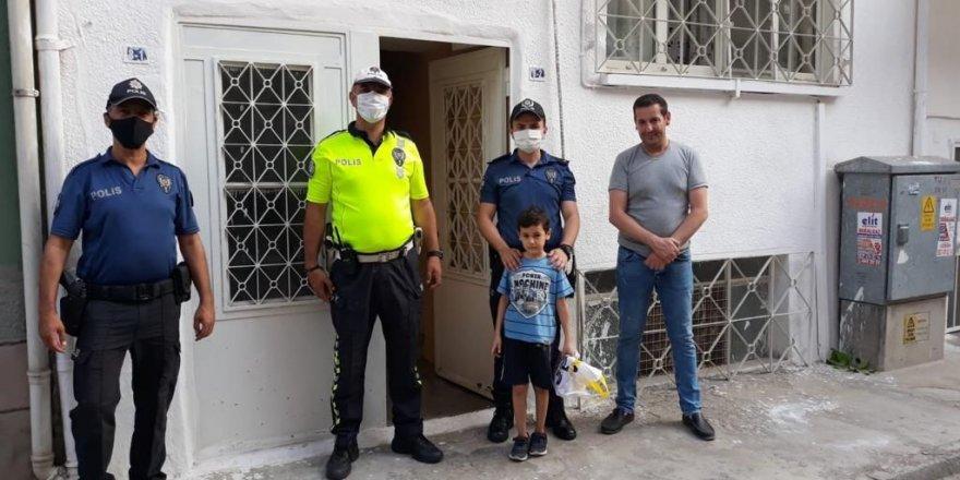 Nazilli'de polisten 7 yaşındaki Ömer'e sürpriz ziyaret
