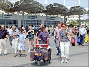 Her Turist Bin Dolar Harcıyor