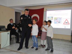 Nazilli'de Öğrencilere Trafik Eğitimi Veriliyor