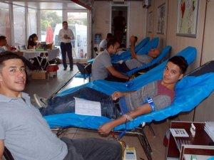 Aydınlılar, Kızılay'ın Kan Bağışı Kampanyası'na Destek Verdi