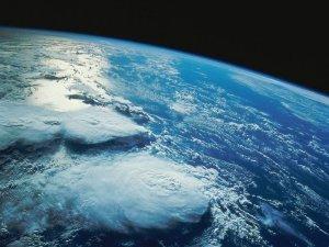 Dünya Altı Ayda 854 Kez Sallandı