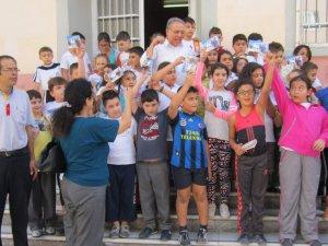 PTT, Nazilli'de öğrencilere ücretsiz tebrik kartı dağıttı