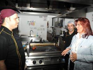Başkan Özlem Çerçioğlu, gece denetimi yaptı