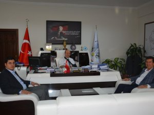 Milletvekili Kılınç, Mesut Özakcan'ı Ziyaret Etti