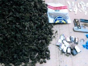 Kuşadası'nda uyuşturucu operasyonu: 2 kişi tutuklandı