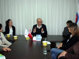 TÜRKAV'da Atatürk'ün Liderliği ve Milliyetçiliği Konuşuldu