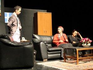 Aydın Emniyeti Tiyatro Oyunu ile Madde Bağımlılığına Dikkat Çekiyor