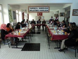 Buharkent'te Jandarma Engellileri Konuk Etti