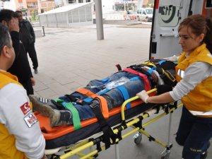 Karacasu'da Trafik Kazası: 3 Yaralı