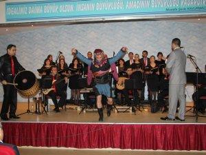 Karacasu Halk Eğitim Merkezi'nde 'Yıl Sonu Konseri' düzenlendi
