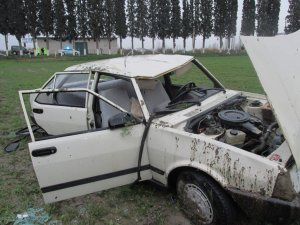Aydın'da otomobil tarlaya uçtu: 5 kişi yaralandı