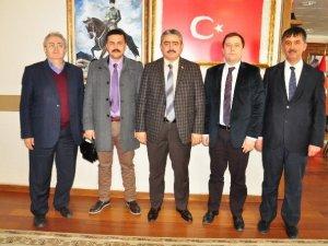 Kuyucak MYO'nun yeni yönetimi Başkan Alıcık'ı ziyaret etti