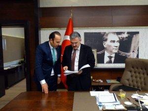 AK Partili Turgut, Vali Ayyıldız'ı ziyaret etti