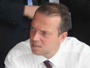 Cem Uzan, İsviçre'yi mahkemeye verdi