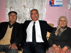 Başkan Kale, yaşlıları ziyaret etti