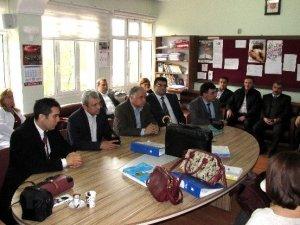 Eğitim Bir-Sen yönetim kurulu üyelerinden Sema öğretmene tam destek