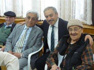MHP'li Köse huzurevi sakinleri ile bir araya geldi
