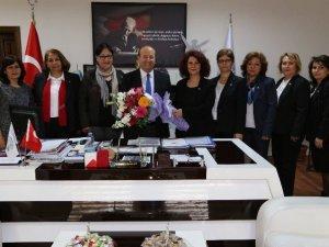 CHP Aydın il kadın kolları Efeler Belediyesi'ni ziyaret etti