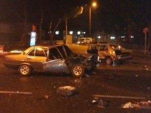 Nazilli'de otomobil çaldılar, Denizli'de polise çarptılar