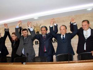 Adalet ve Kalkınma Partisi Milletvekili Adayları Sahnede