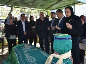 Kuyucak'ta Arap Dede Hayrı Binleri Buluşturdu