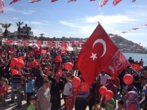 Kuşadası'nda Milliyetçiler Günü Kutlaması