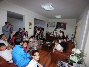 Minik Öğrenciler Yerel Yönetimleri Efeler Belediyesi İle Tanıdı
