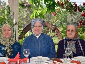 Anneler Günü'nde Şehit Ailelerine Vefa