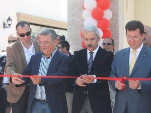 Kuşadası'na Yeni Alışveriş Merkezi Açıldı