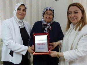 Hamido'nun Eşi Yılın Annesi Seçildi