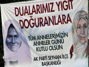 "Başbakan Davutoğlu'na ""Anneler Günü"" Sürprizi"