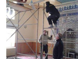 Hisarcık Köprübaşı Camii Tavanına Lambiri Döşendi