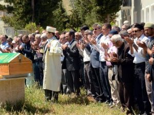 Balkız Önce Cenazeye Ardından Düğüne Katıldı