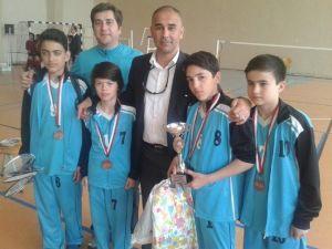 Adana'dan 4 Okul Badminton Türkiye Grup Şampiyonasına Gitti
